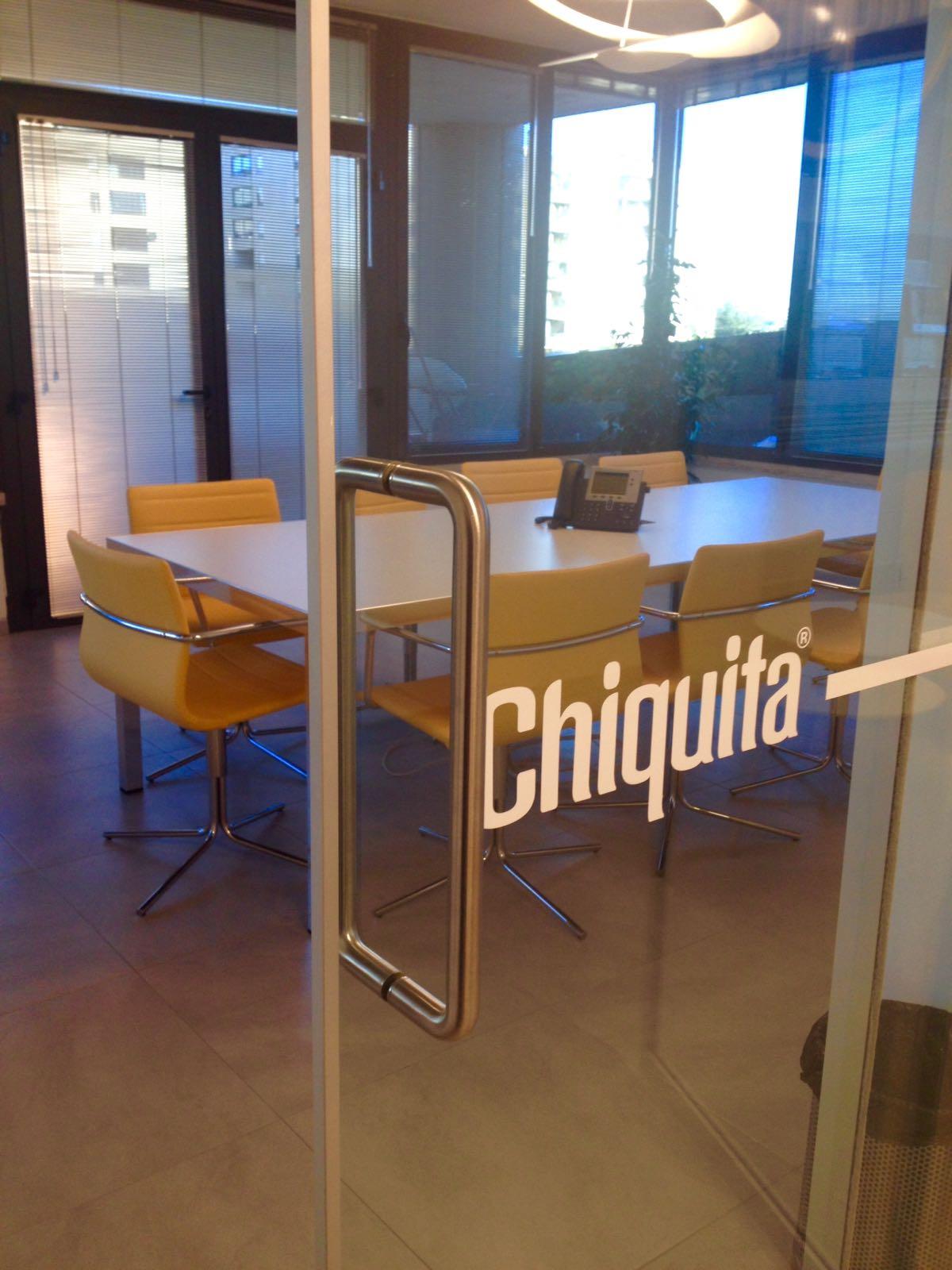 Progetto arredo open space roma chiquita sistema ufficio for Progetto arredo