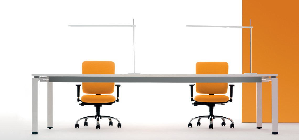 Come scegliere i materiali per le sedie contact